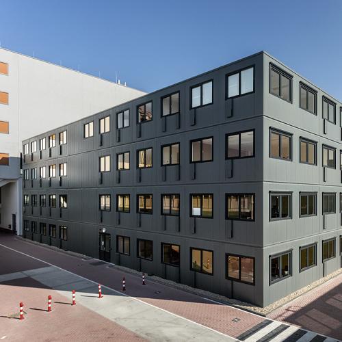 Kantoorruimte-Sanquin-gebouwd-door-Jan-Snel