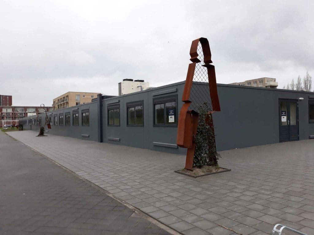 school-utrecht-standbeeld